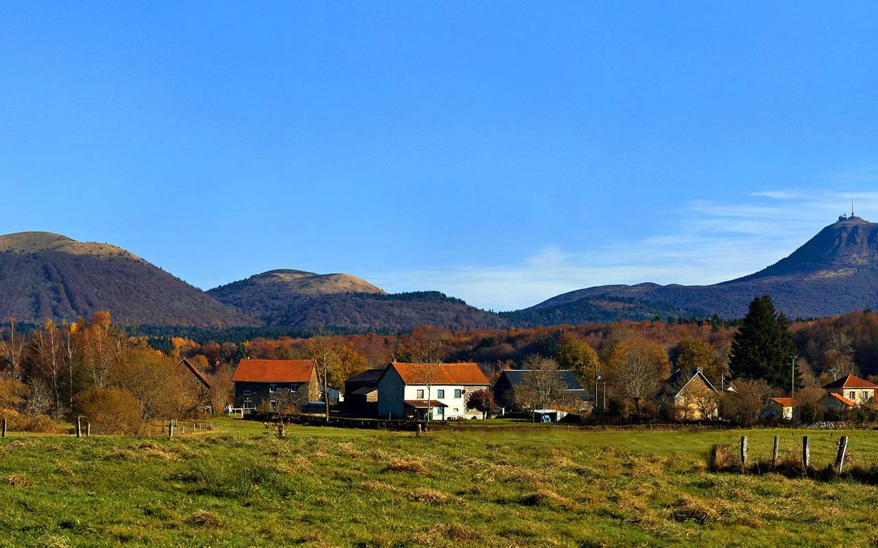 landschaft ländlichen dorf auvergne