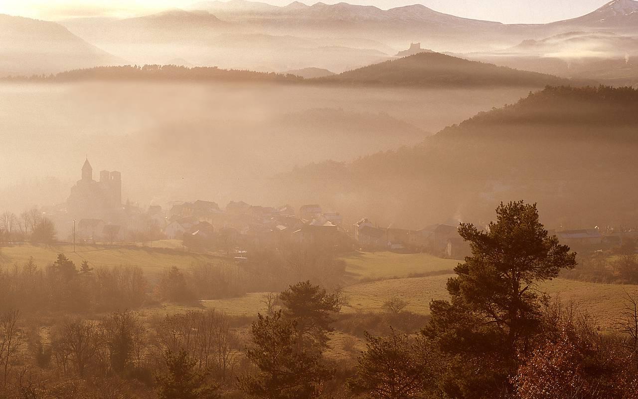 panoramaaussicht landschaft issoire