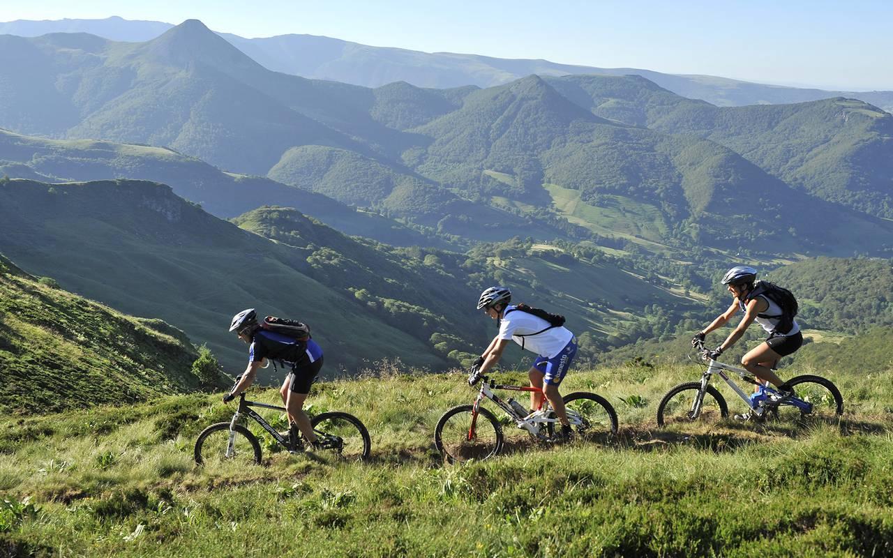 bike ride nature issoire