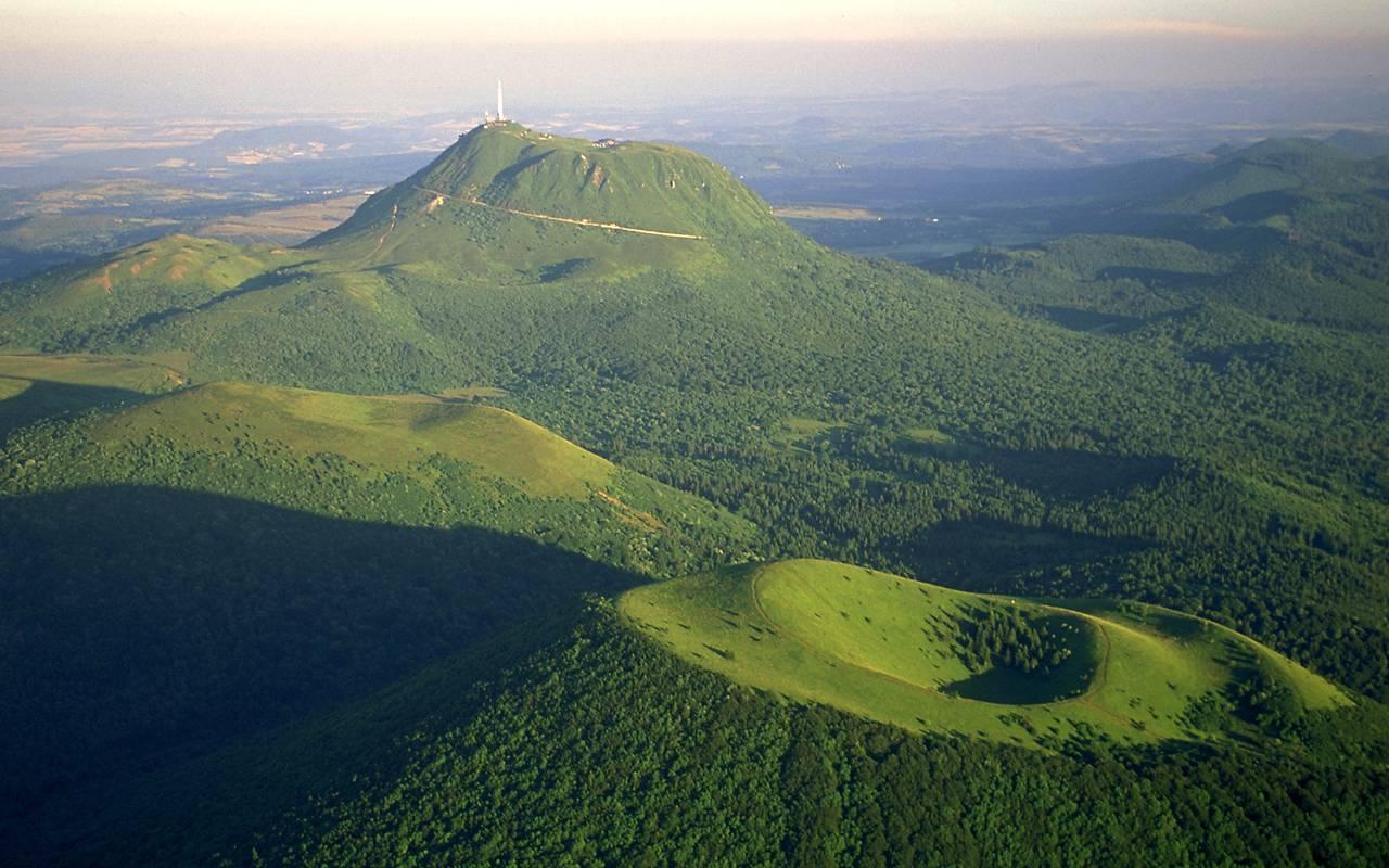 volcano auvergne tourism