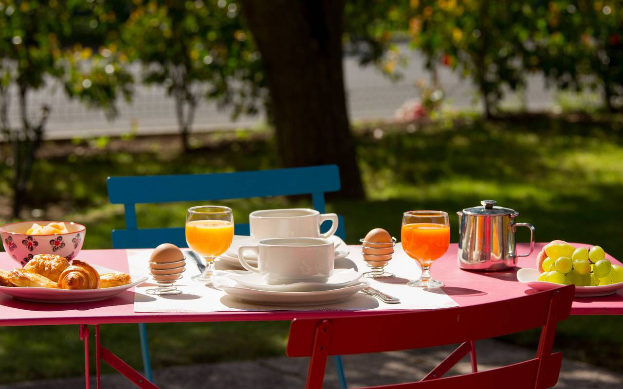 breakfast terrace relax time