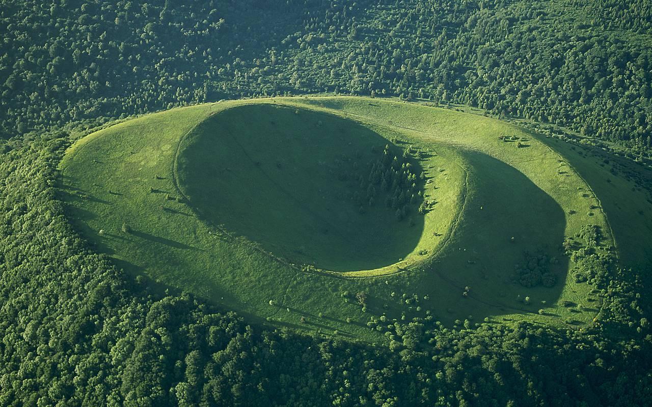 volcano auvergne landscape
