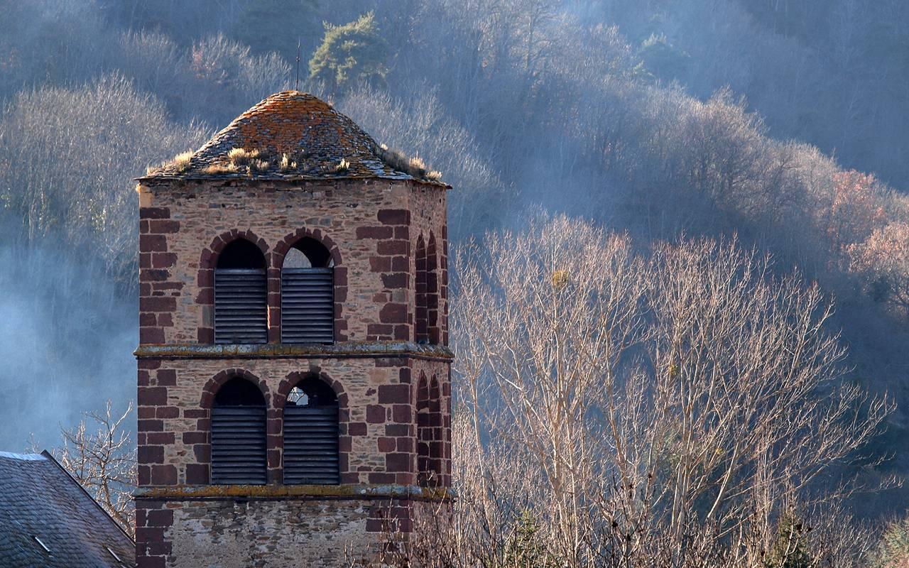 old building landscape auvergne