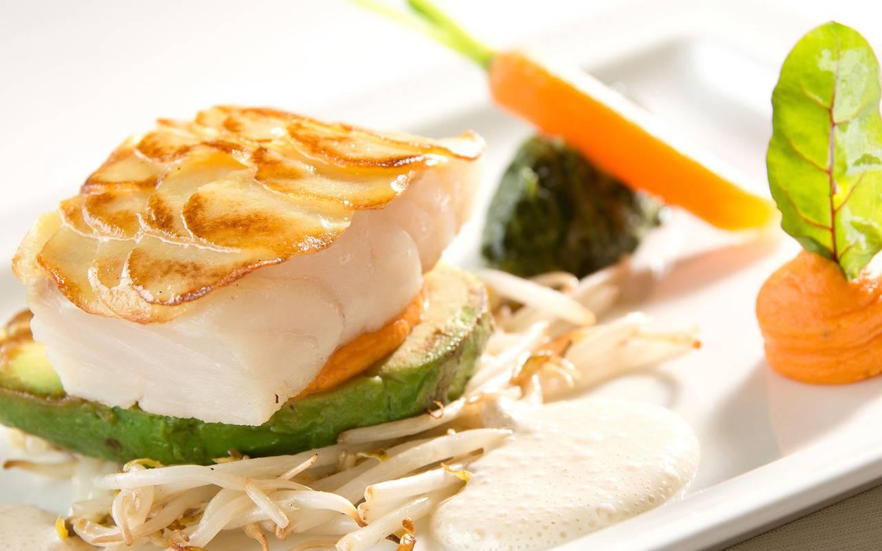 meal fish dinner restaurant issoire