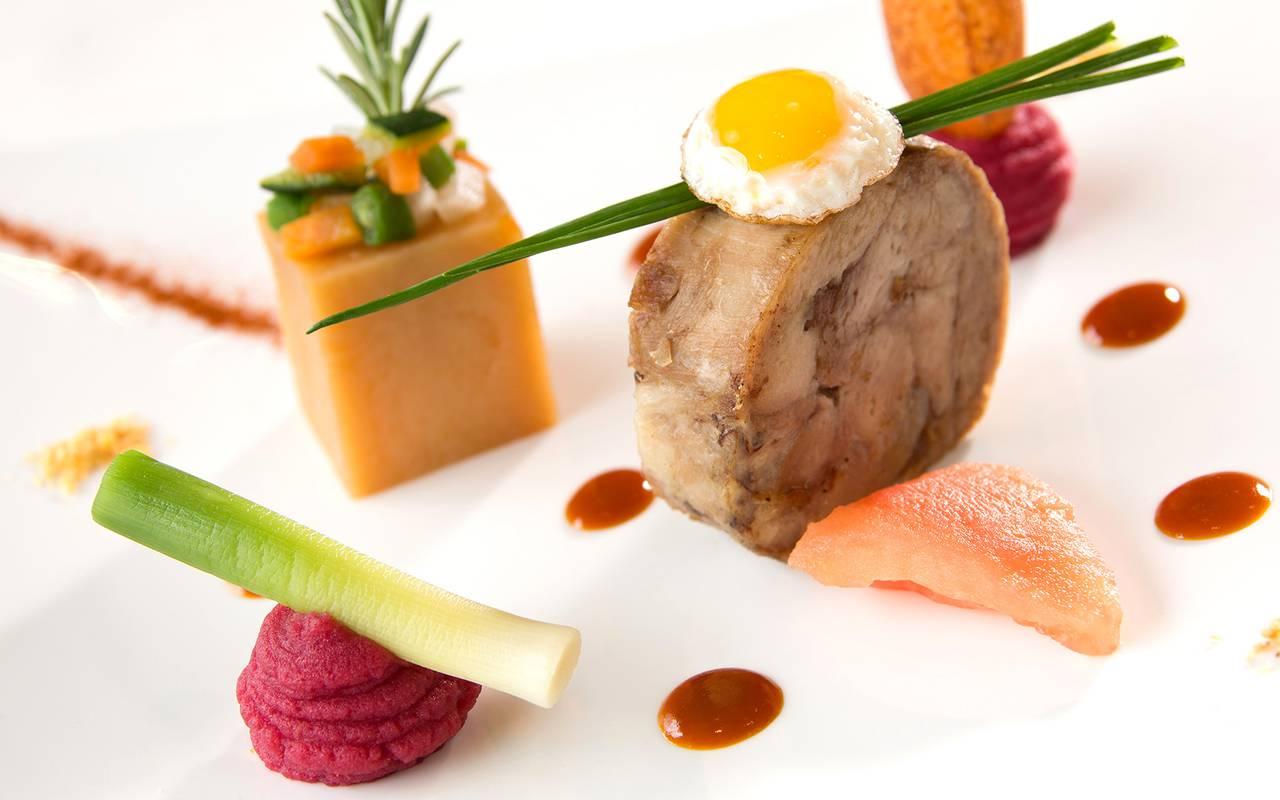 Jarret de veau confit réduction de carottes cumin, restaurant Issoire