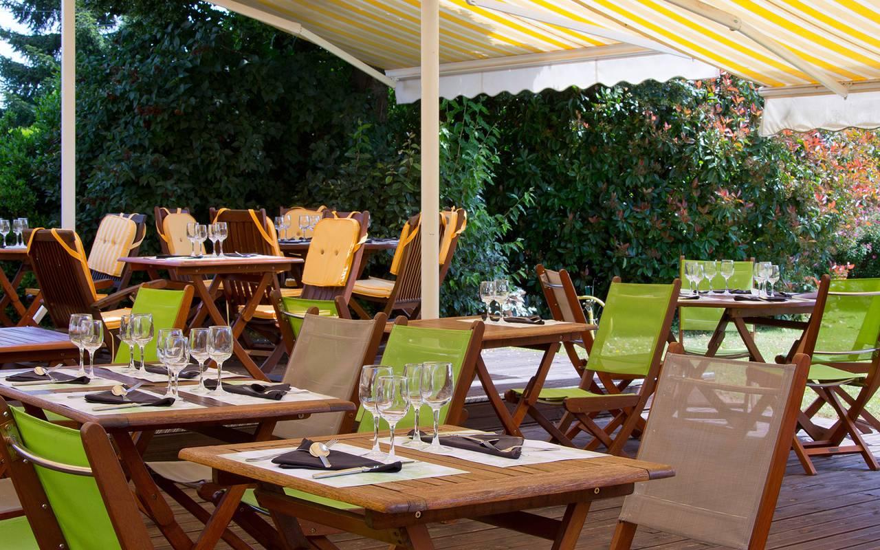 Restaurant issoire le jardin h tel le pariou for Restaurant le jardin morat