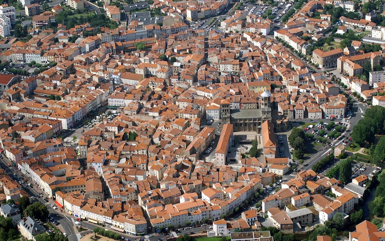 Vue aérienne d'Issoire, hôtel de charme Auvergne