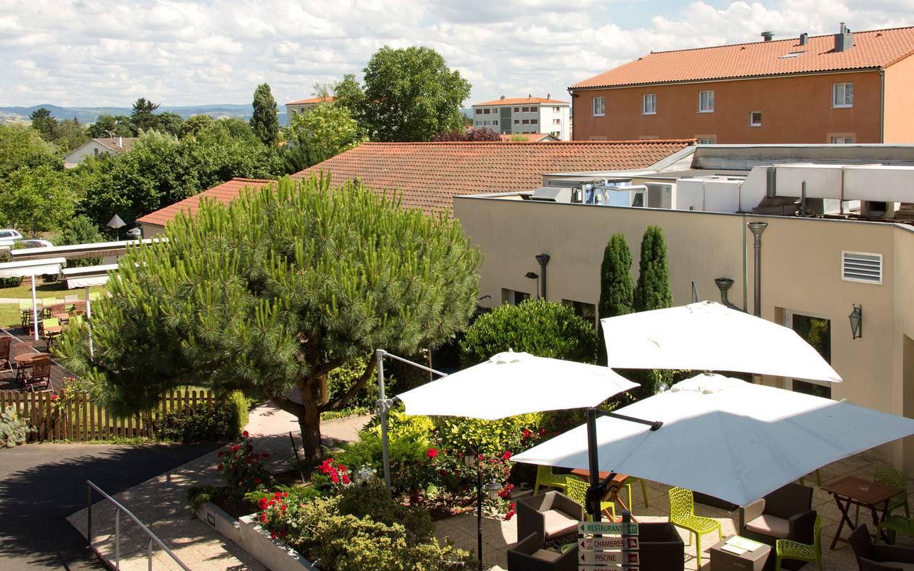 vue exterieure terrasse hotel a75