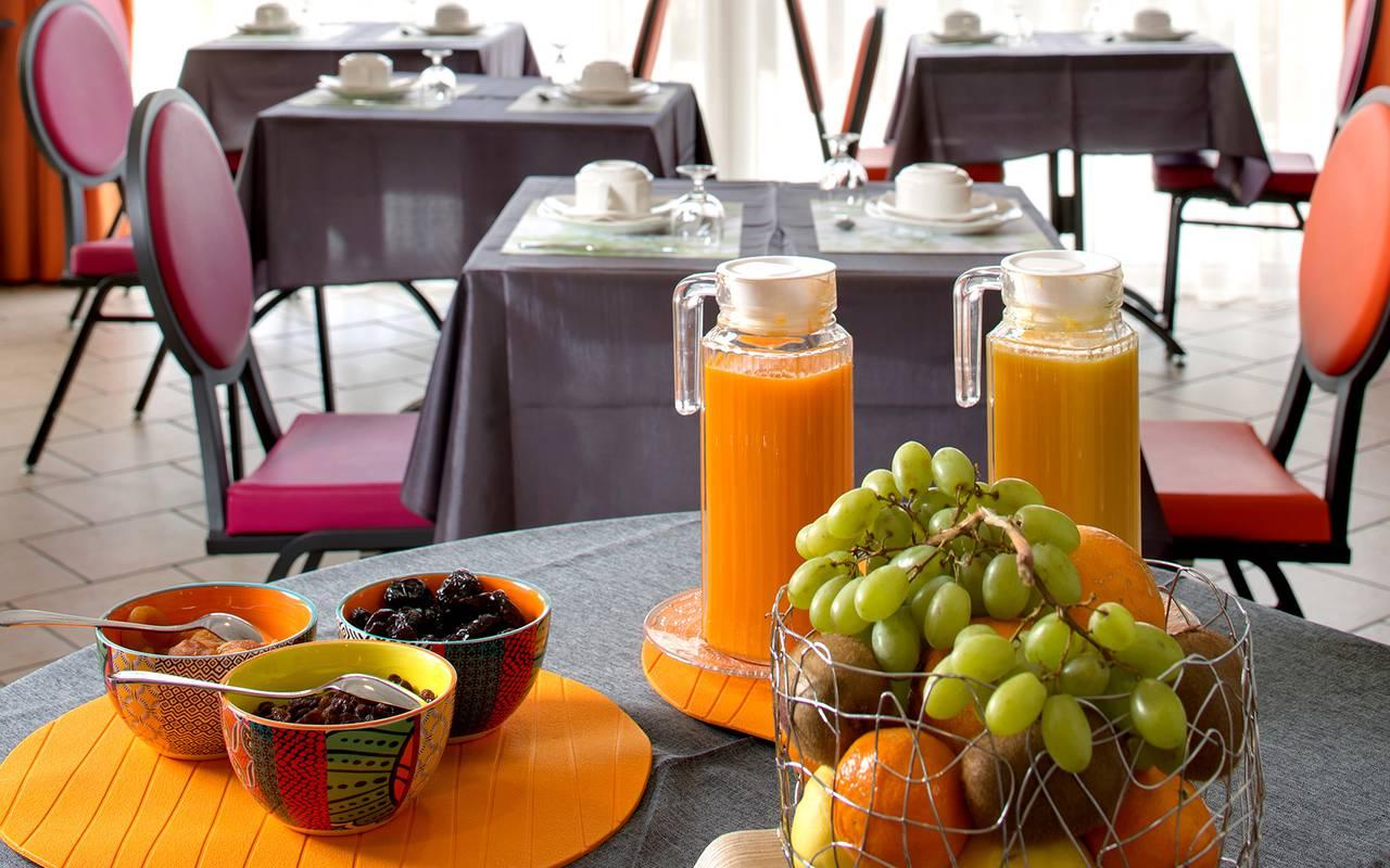 petit déjeuner produits frais, hôtel de charme issoire