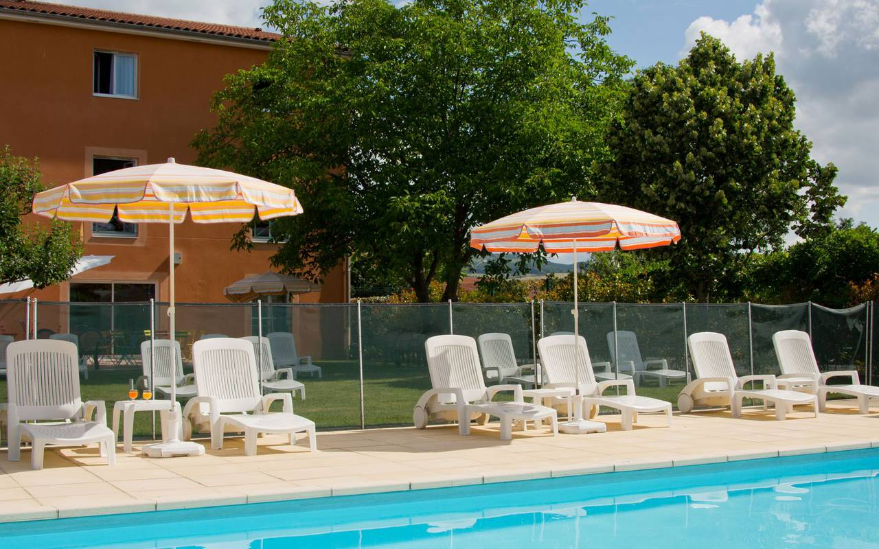 bain soleil piscine hotel