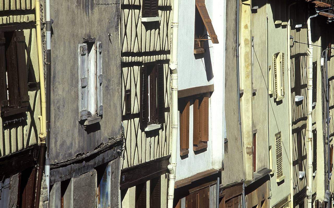village typique auvergne hôtel issoire