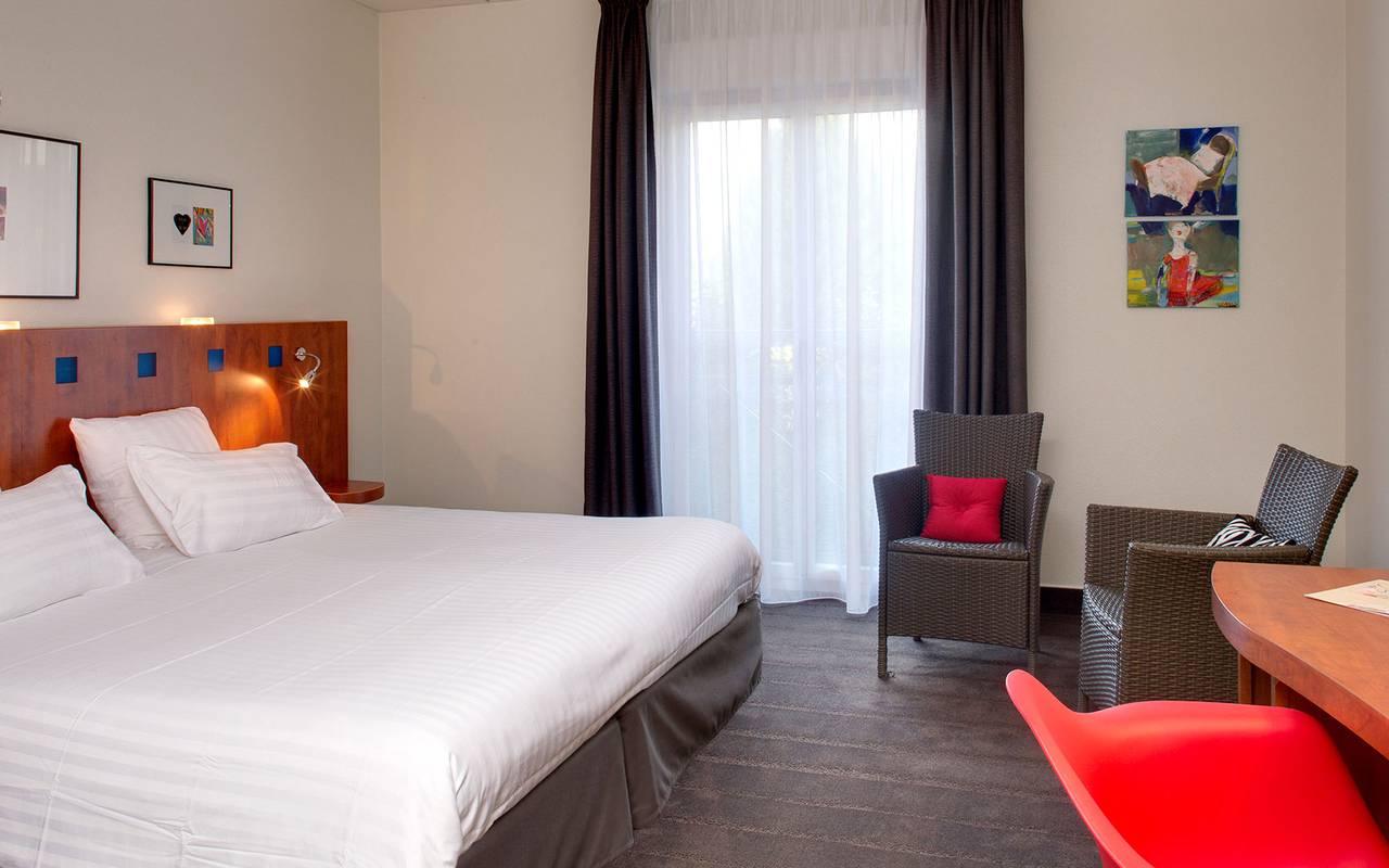 lit double chambre cosy Issoire