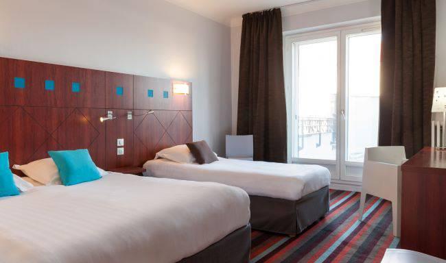 chambre avec 2 lits, hôtel issoire